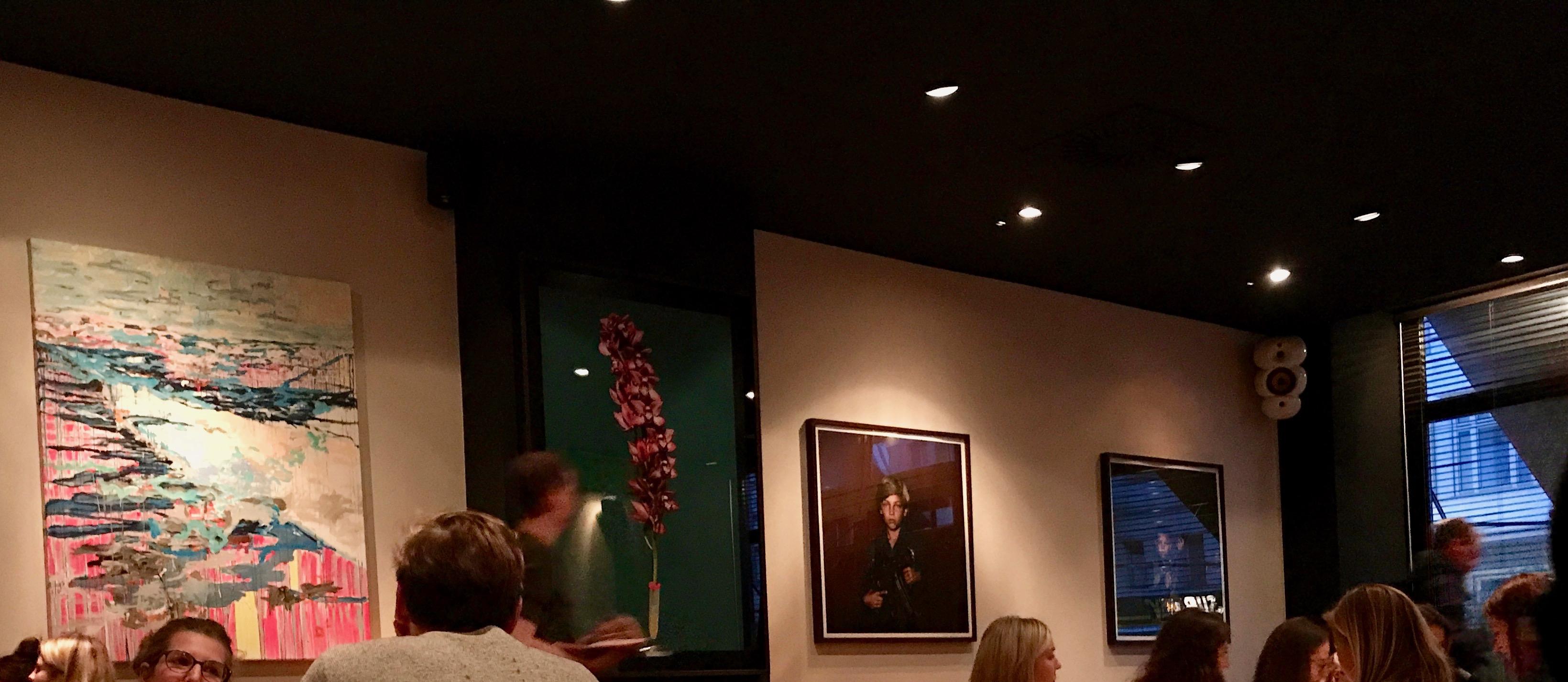 Pantry diverse Kunst an den Wänden